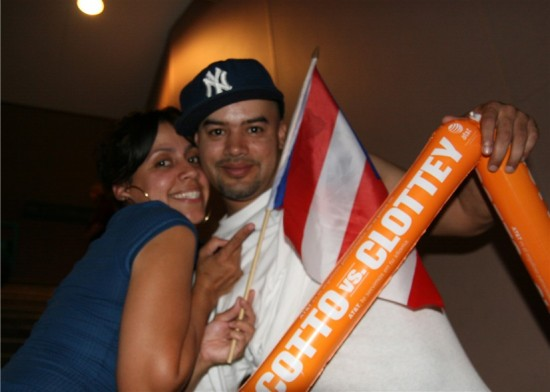 A happy Puerto Rican couple celebrates Cotto's victory (photo by Juan C. Ayllon)