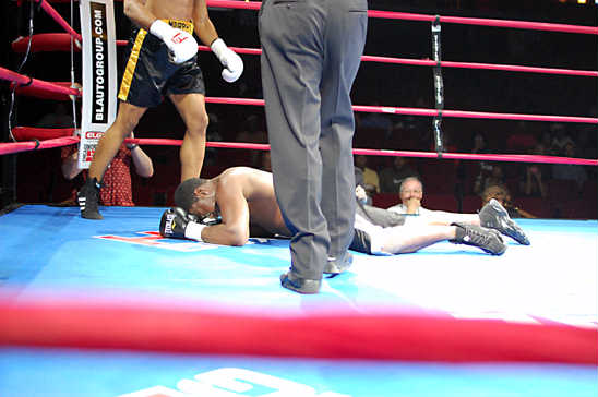 Murphy wins by knockout
