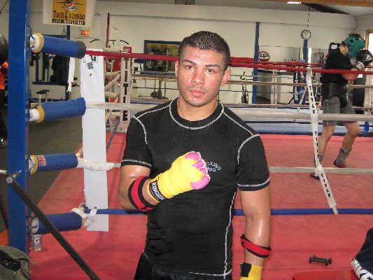 Light Middleweight Contender Angel Hernandez Talks With RCM.