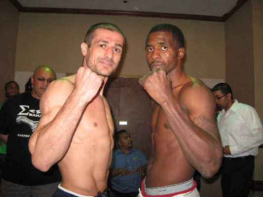 Mike Arnoutis (L) vs. Demetrius Hopkins