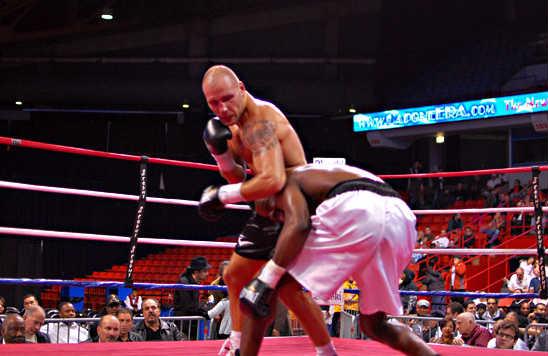 Bondarevas (L) keeps Johnson from countering