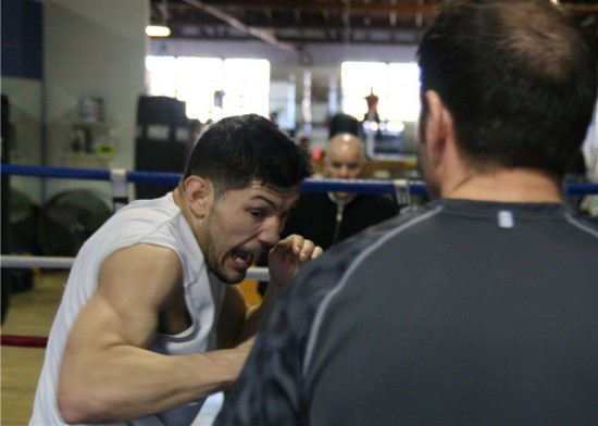 Diaz (left) in training at JABB Boxing Gym in Chicago (photo by Juan C. Ayllon)