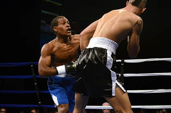 Larenzo Wilson (L) sets the pace against Nick Ramirez