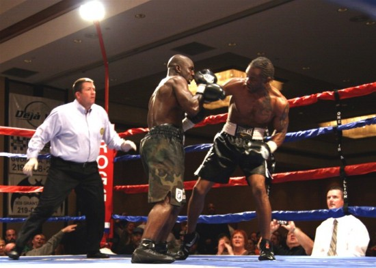 Echols (right) vs. Walker, 2008 (photo by Juan C. Ayllon)