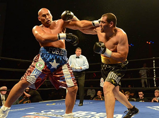 Oquendo (L) and Rossy tangle as Oquendo counters