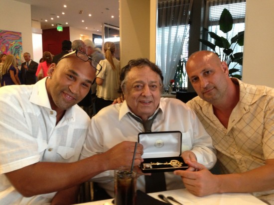 Oquendo (left) and his manager, Tom Tsatas (right) flank WBC President Jose Sulaiman