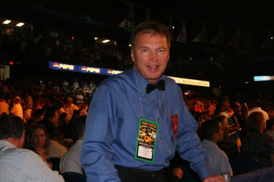 Pete Podgorski at ringside (photo by Juan C. Ayllon)