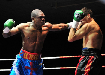 Youri Kalenga (L) is always in attack mode (photo by Dougie Minehan)