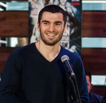 Unbeaten Artur Beterbiev Squares Off With Jeff Page - Photo by Amanda Kwok/ SHOWTIME
