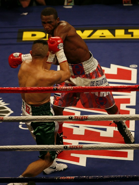 Erislandy Lara, seen here several years ago in Chi-town vs. Luciano Perez, is looking to score big this time around (photo by Tom Glunz).