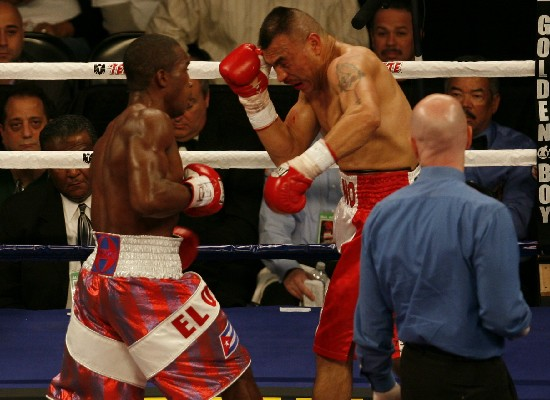 Erislandy Lara, at left, seen here attacking Chicago's Luciano Perez several years ago (photo by Tom Glunz)