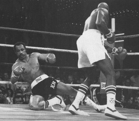Earnie Shavers (right), enroute to a first round stoppage of Ken Norton on March 23, 1979 in Las Vegas.