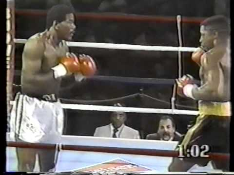 Chicago's Al Evans, at left versus Ray Mercer, knocked out a 15 year old Mike Tyson in the Amateurs. (photo courtesy of Youtube.com)