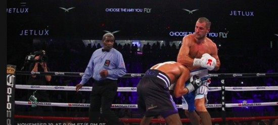 Kovalev (right) and Ward engage at close range (photo courtesy of HBO Boxing).
